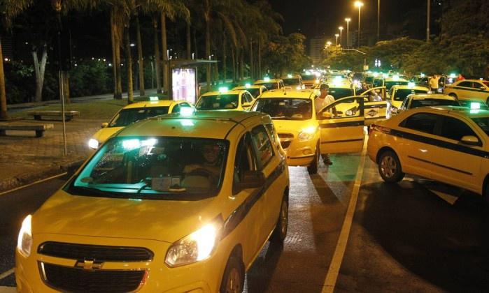 Taxistas dizem que 'acabou a moleza' contra Uber — SP